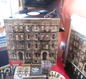 PHYSICAL GRAFFITI WEEK ON TBL/ DL THOUGHTS ON THE VINYL VERSION / JIMMY AT THE BRITS/DL DIARY UPDATE
