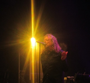 ROBERT PLANT FOR LAMPEDUSA SHOWS/COMPLETE BBC SESSIONS IN AT NUMBER 3/ JASON BONHAM JAMS WITH GOV'T MULE/ LZ NEWS/ JAPAN 71/IAN DIXON REVIEWS/DL DIARY BLOG UPDATE/