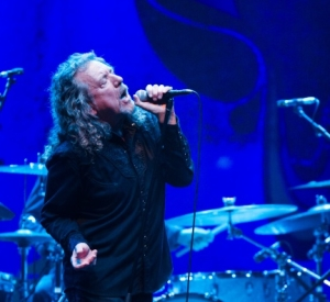 ROBERT PLANT TO JOIN NIGEL KENNEDY AT ROYAL ALBERT HALL LOVE CLASSICAL EVENT/ SHE JUST SATISFIES ERA PIC FIND/LZ NEWS/BOB WALKER RIP/KING ARTHUR/1975 SNAPSHOT/PHYSICAL GRAFFITI 42 YEARS GONE/ DL DIARY BLOG UPDATE