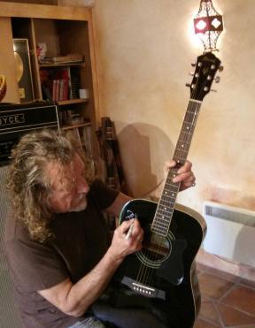 guitar robert 2